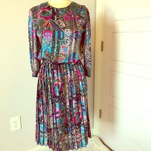 Vintage!!!!! Paisley pleated dress